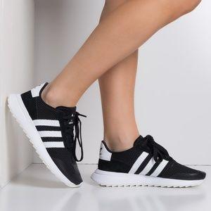 NEW adidas Originals Flashback Sneakers